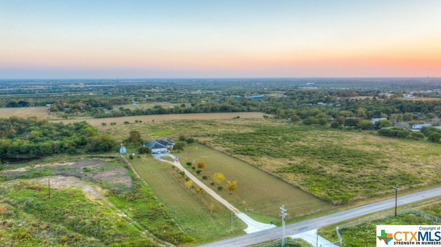 1430 Weil Road Cibolo, TX - Image 1