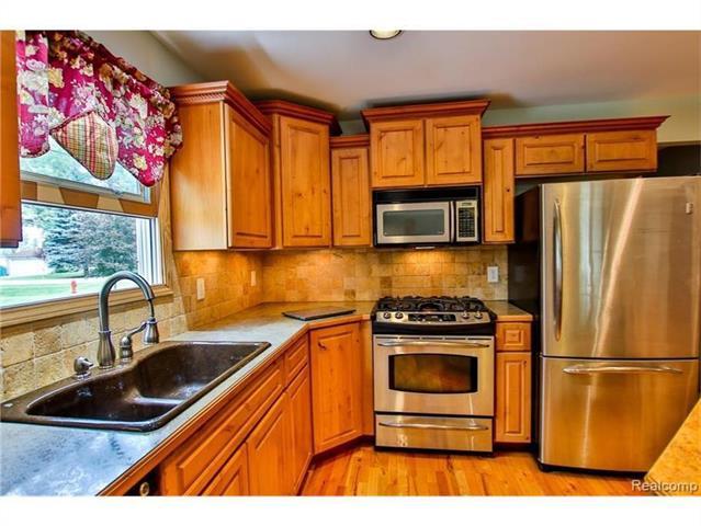 2052 Oaknoll Street AUBURN HILLS, MI - Image 3