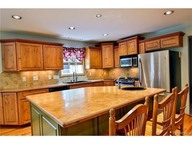 2052 Oaknoll Street AUBURN HILLS, MI - Image 4