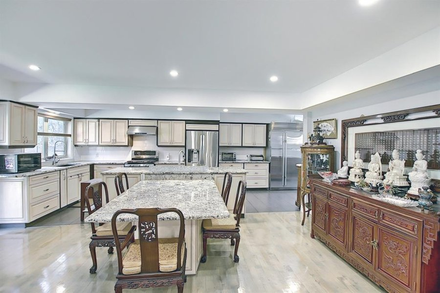 1006 Bel-Aire Drive SW Calgary, AB - Image 11