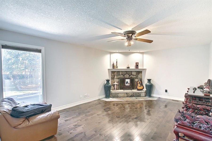 1006 Bel-Aire Drive SW Calgary, AB - Image 17