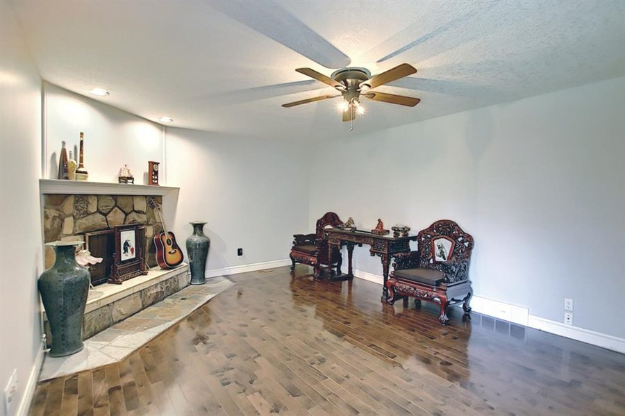 1006 Bel-Aire Drive SW Calgary, AB - Image 18