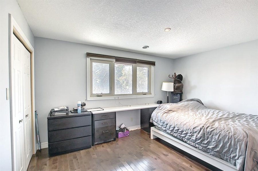 1006 Bel-Aire Drive SW Calgary, AB - Image 30