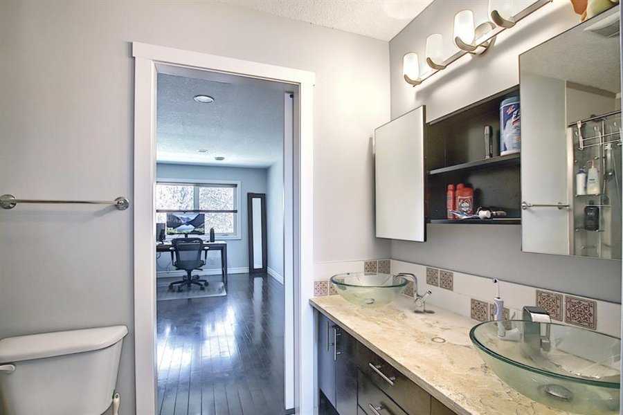 1006 Bel-Aire Drive SW Calgary, AB - Image 32