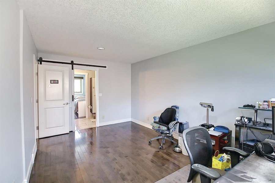1006 Bel-Aire Drive SW Calgary, AB - Image 33