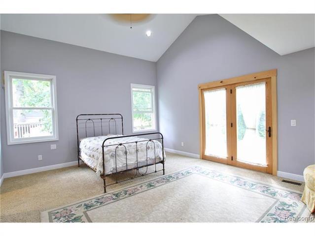 2052 Oaknoll Street AUBURN HILLS, MI - Image 10