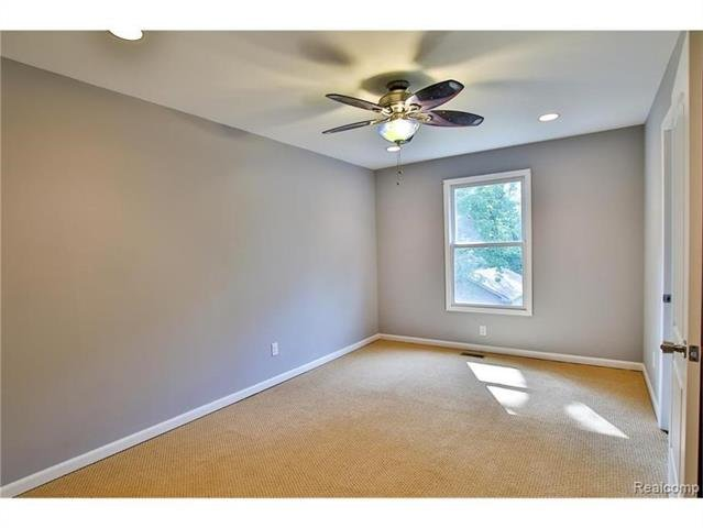 2052 Oaknoll Street AUBURN HILLS, MI - Image 16