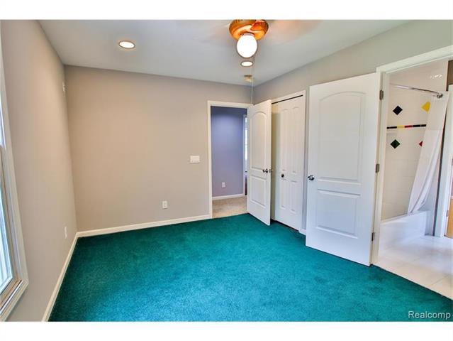 2052 Oaknoll Street AUBURN HILLS, MI - Image 17