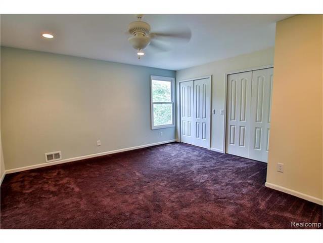 2052 Oaknoll Street AUBURN HILLS, MI - Image 20