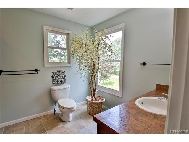 2052 Oaknoll Street AUBURN HILLS, MI - Image 21