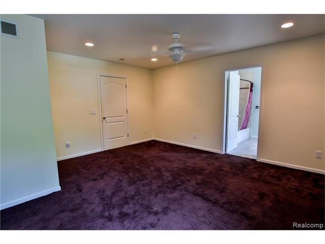 2052 Oaknoll Street AUBURN HILLS, MI - Image 22