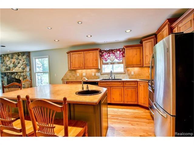 2052 Oaknoll Street AUBURN HILLS, MI - Image 6